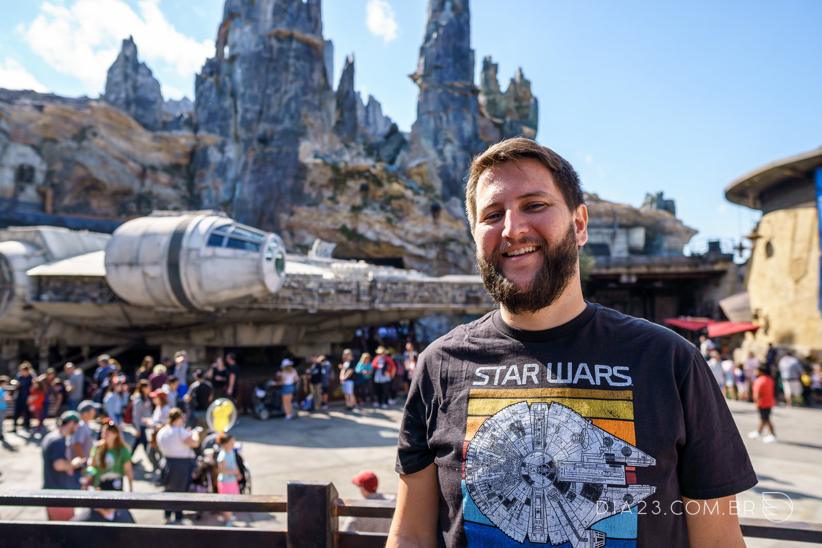 galaxys edge millennium falcon star wars hollywood studios