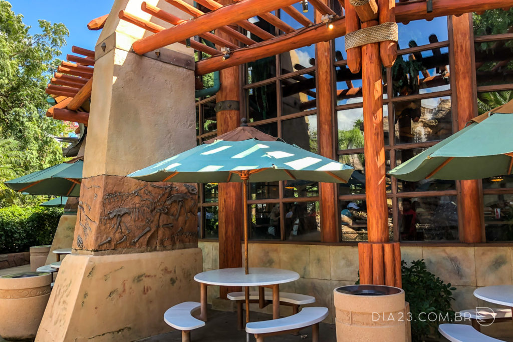 restaurante thunder falls terrace islands of adventure