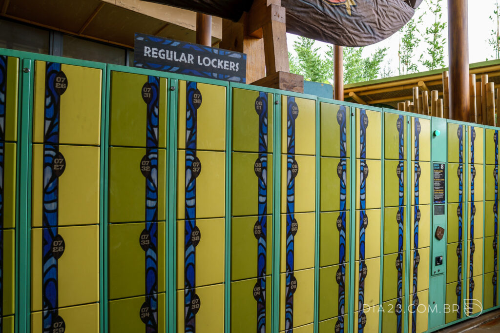 lockers volcano bay
